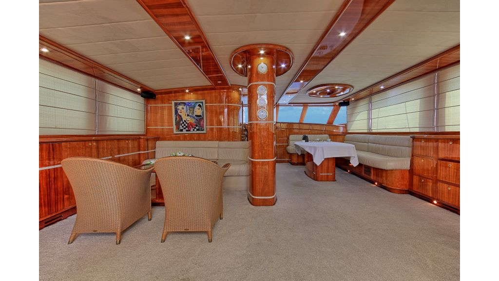 Silver moon luxury sailing yacht (43)