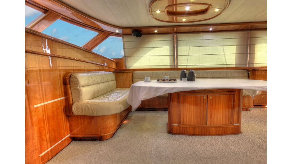 Silver moon luxury sailing yacht (44)