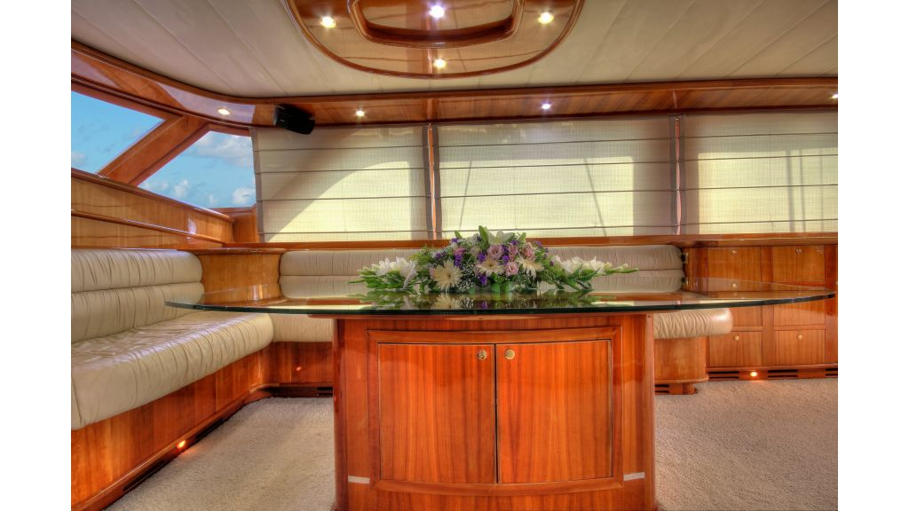 Silver moon luxury sailing yacht (49)