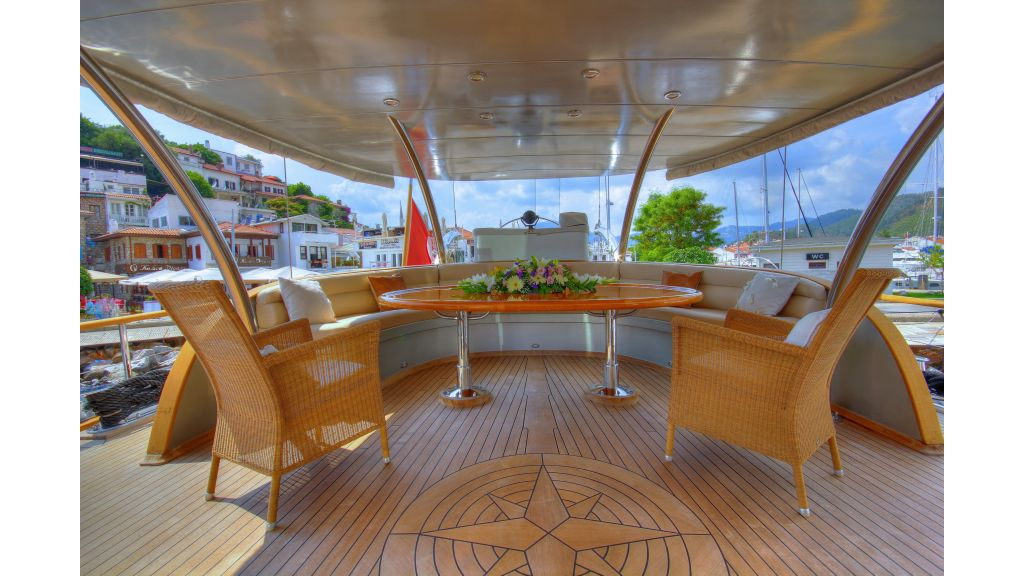 Silver moon luxury sailing yacht (52)