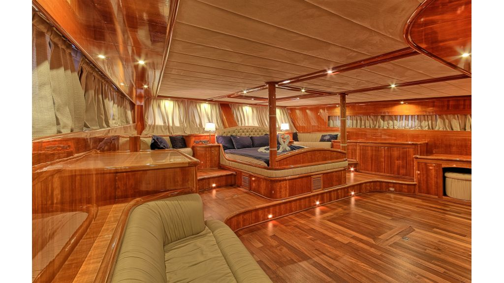Silver moon-luxury sailing