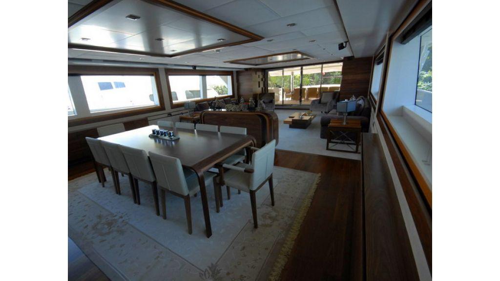 Mega yacht (12)
