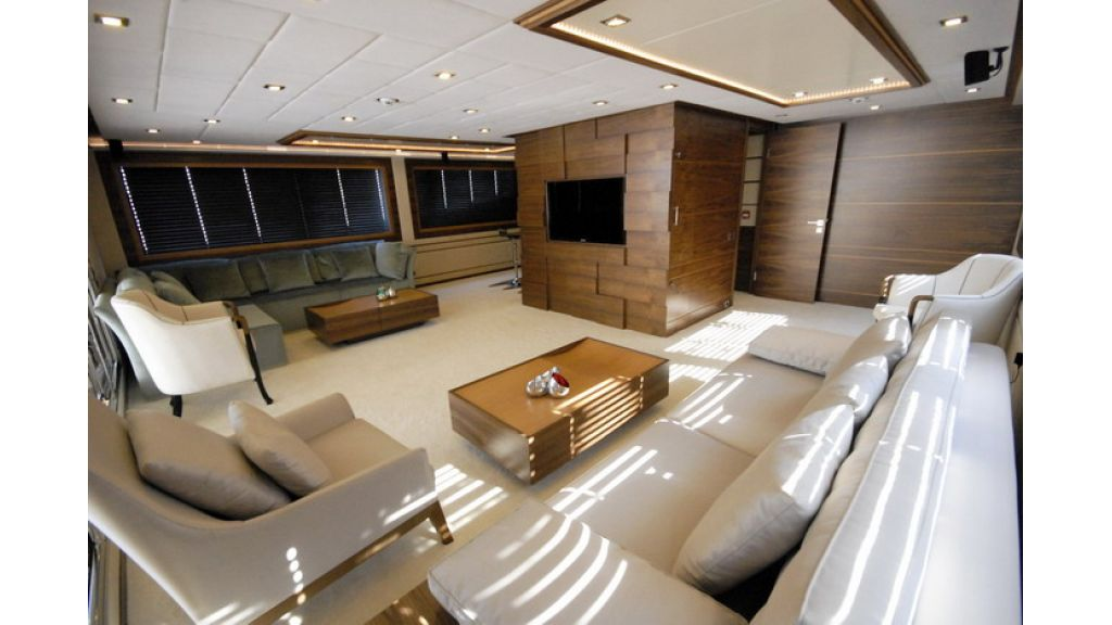 Mega yacht (26)