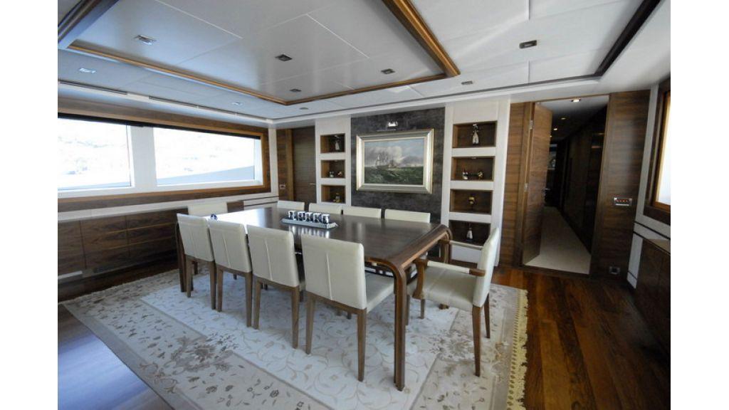 Mega yacht (7)