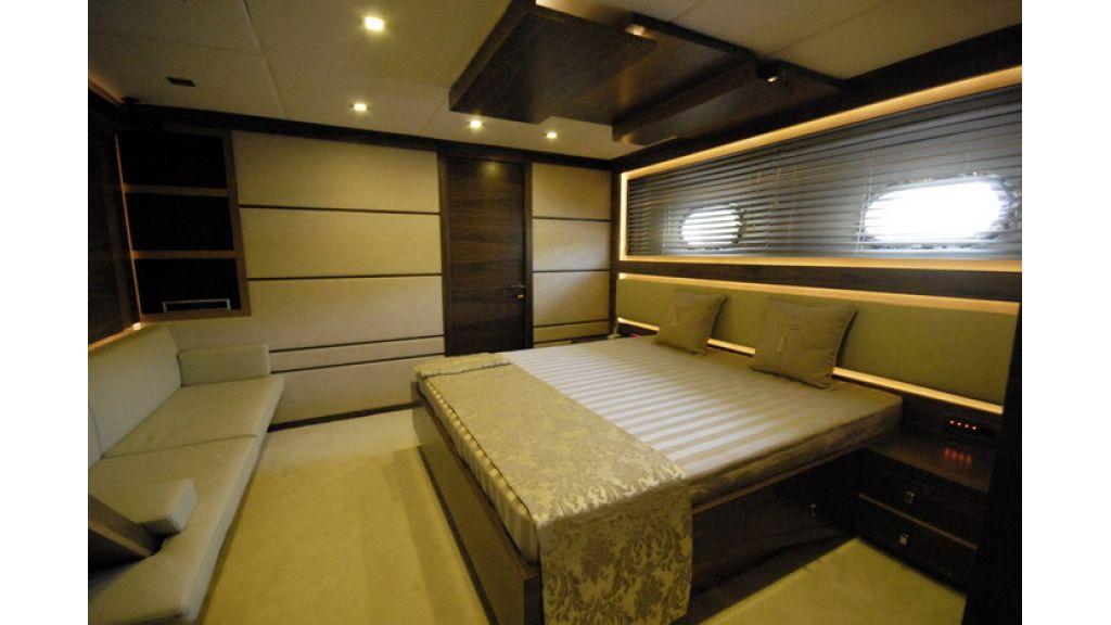 Mega yacht (9)