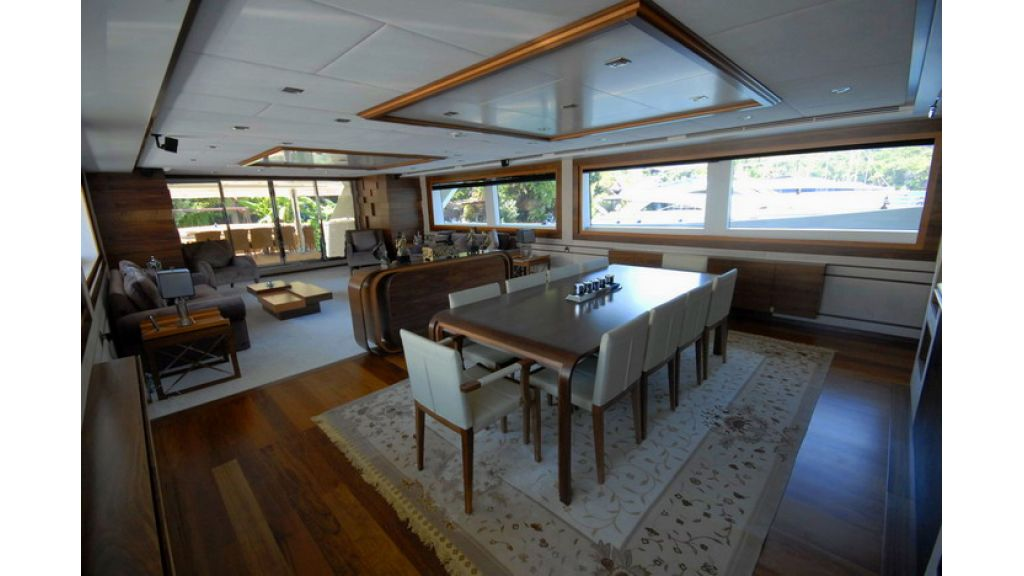 Mega yacht (13)