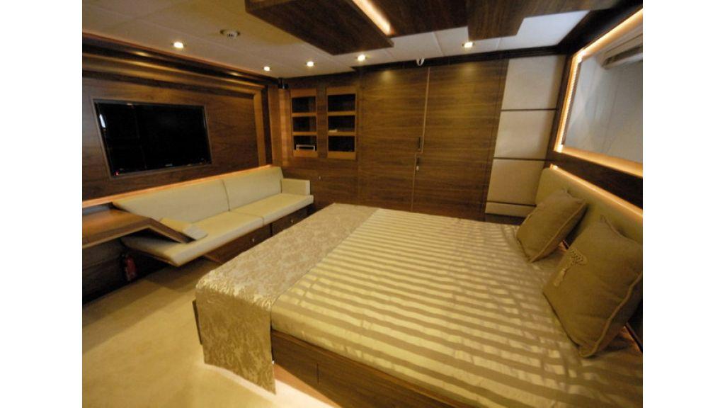 Mega yacht (18)