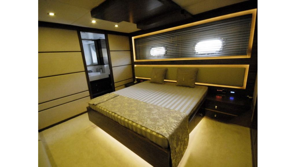 Mega yacht (19)