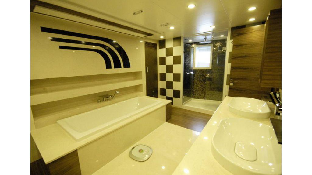 Mega yacht (20)