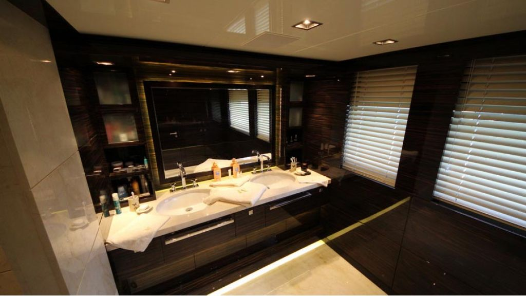 ultra new design motoryacht (26)