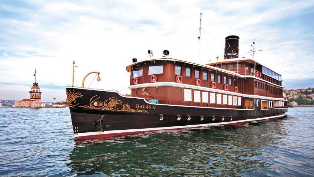 Halas Cilasic Motor yacht master