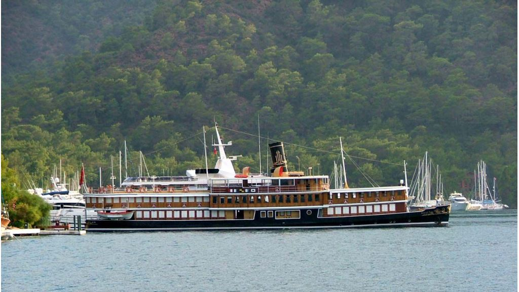 Halas Cilasic Motoryacht master (1)