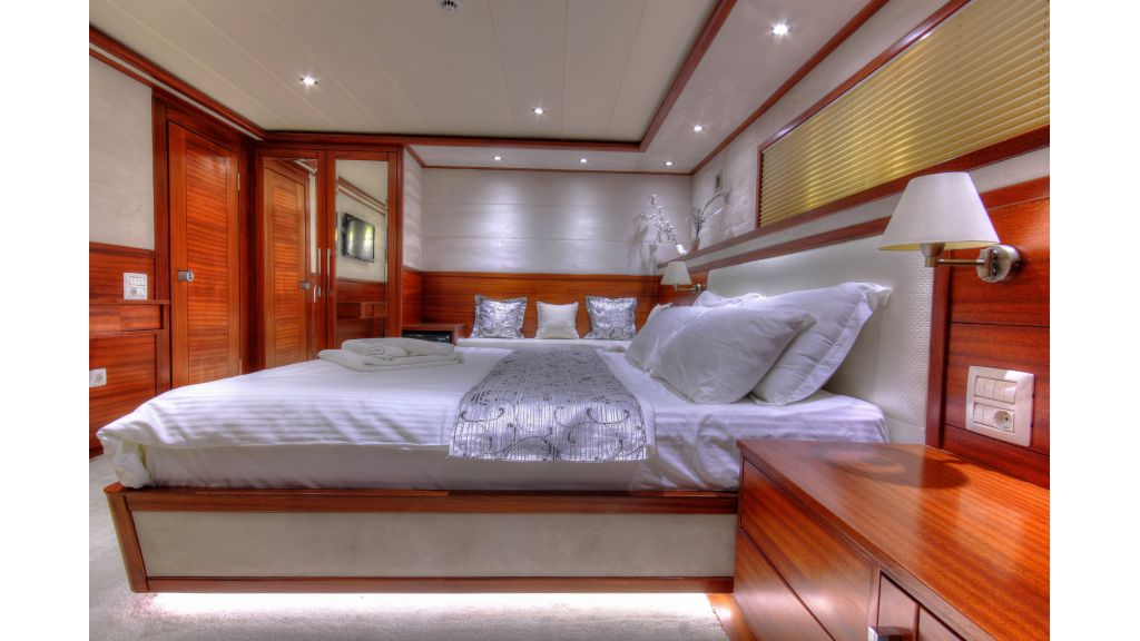 Radical design luxury gulet (36)