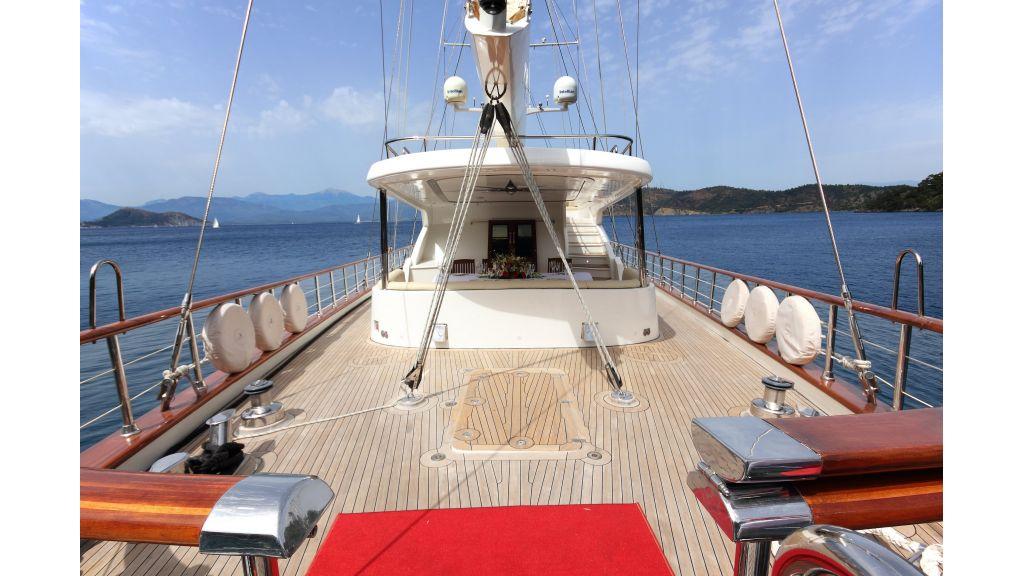 Radical design luxury gulet (48)