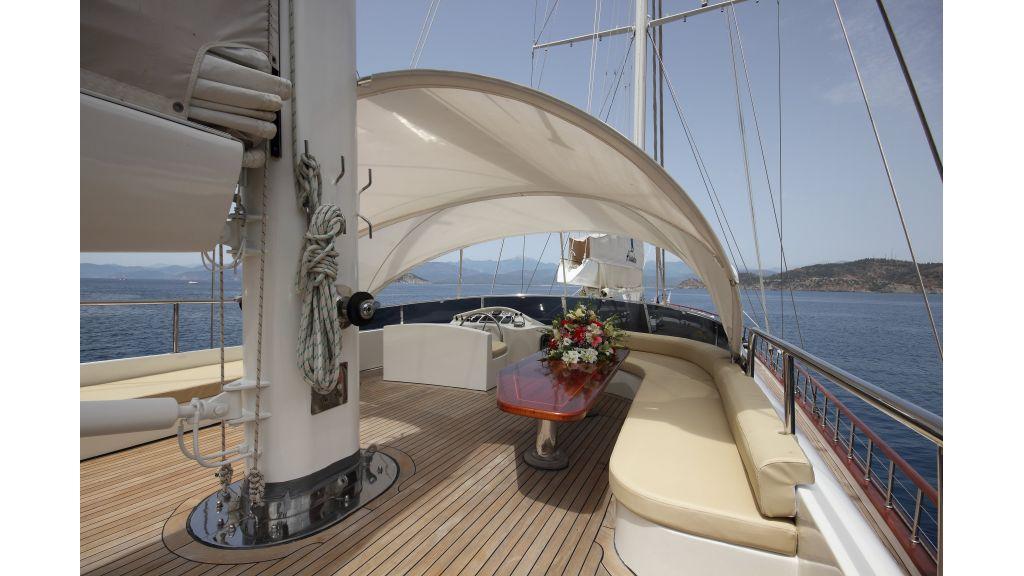Radical design luxury gulet (57)