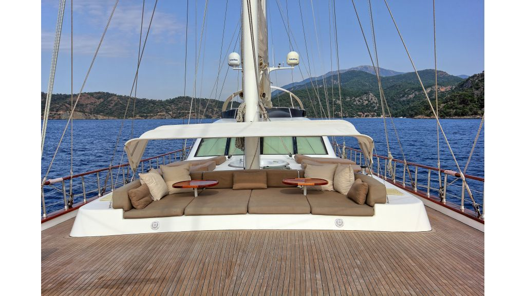 Radical design luxury gulet (9)