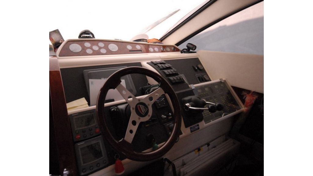 Fairline 50 Phantom (2)