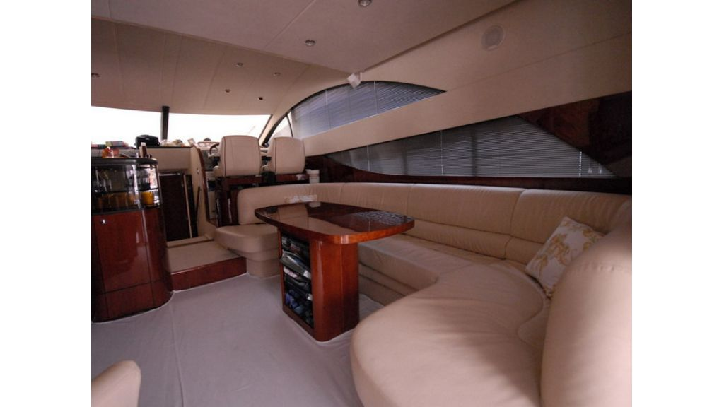 Fairline 50 Phantom (3)