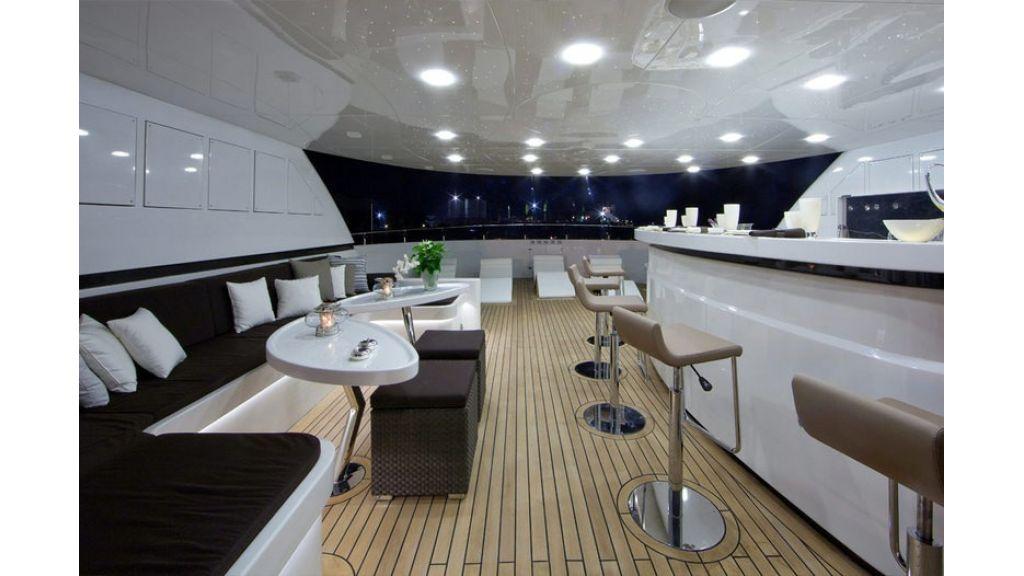 Composite luxury motor yacht (16)