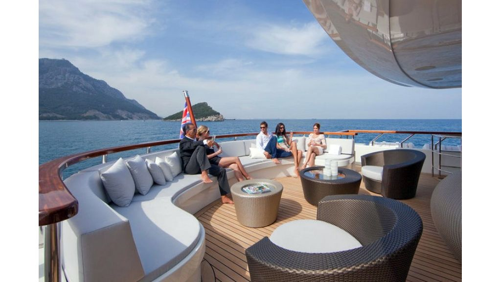 Composite luxury motor yacht (24)