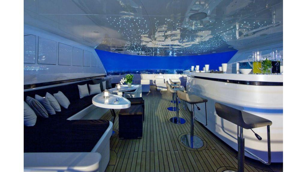 Composite luxury motor yacht (41)