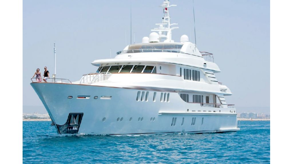 Composite luxury motor yacht (45)