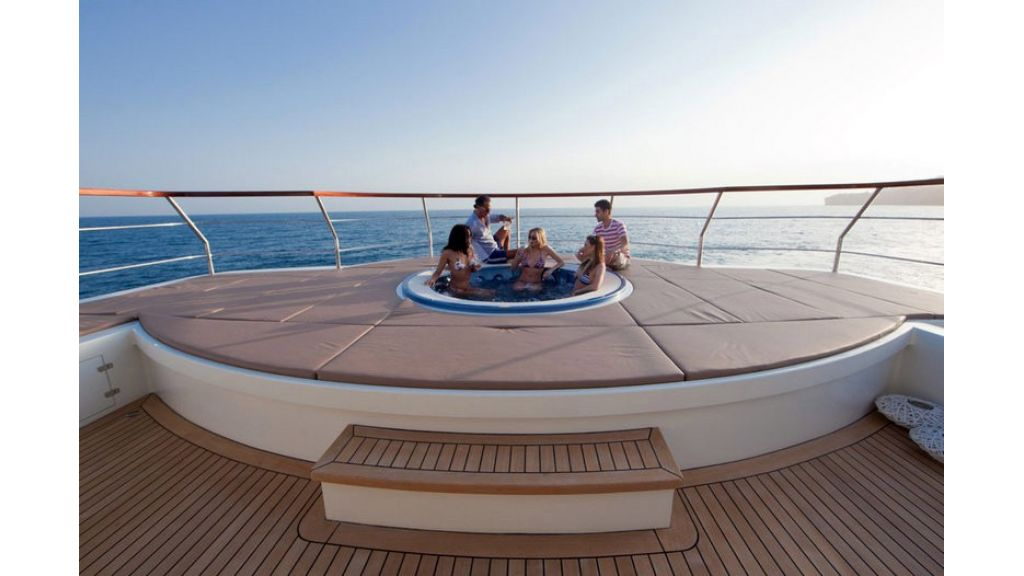 Composite luxury motor yacht (48)