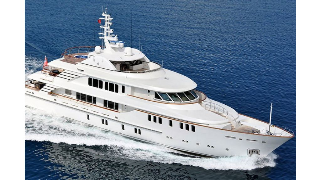 Composite luxury motor yacht (49)