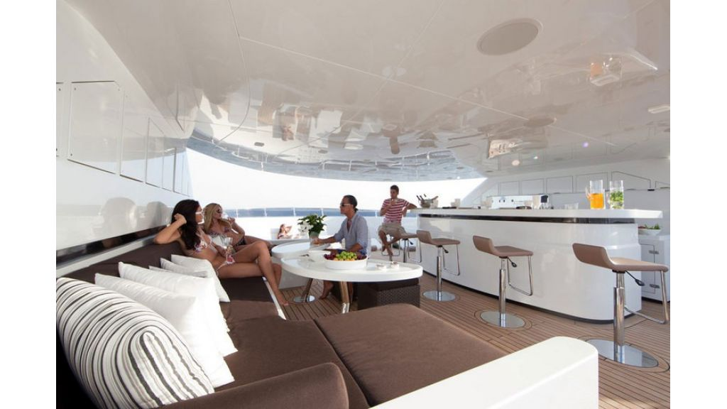 Composite luxury motor yacht (56)