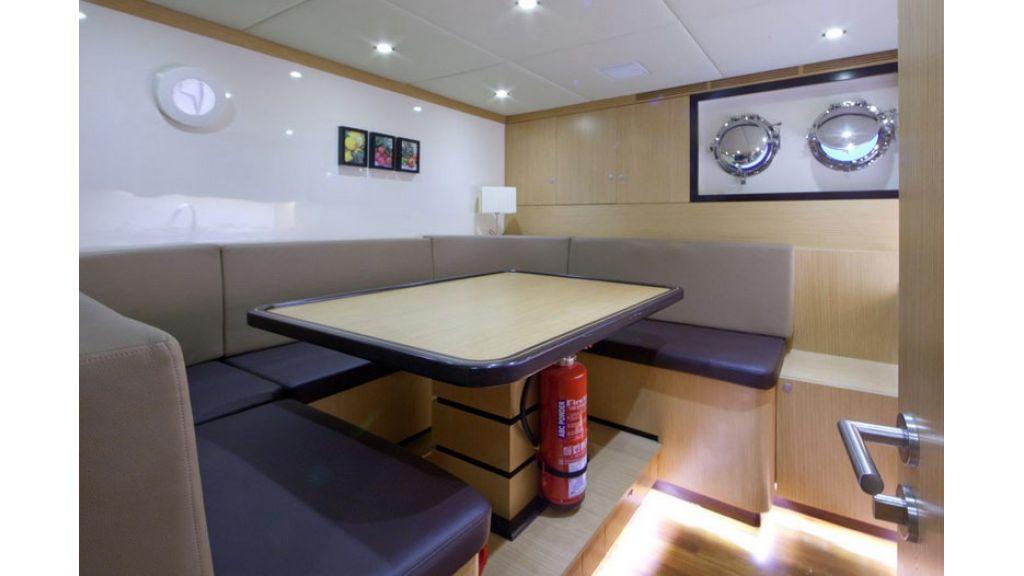 Composite luxury motor yacht (57)