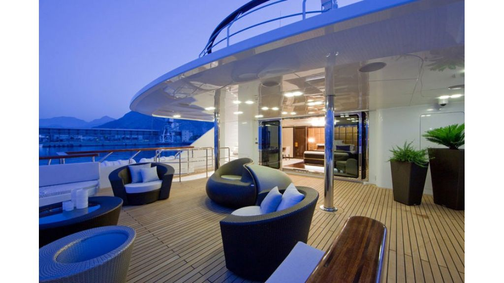 Composite luxury motor yacht (59)