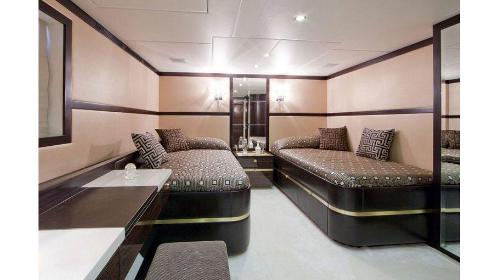 Composite luxury motor yacht (67)