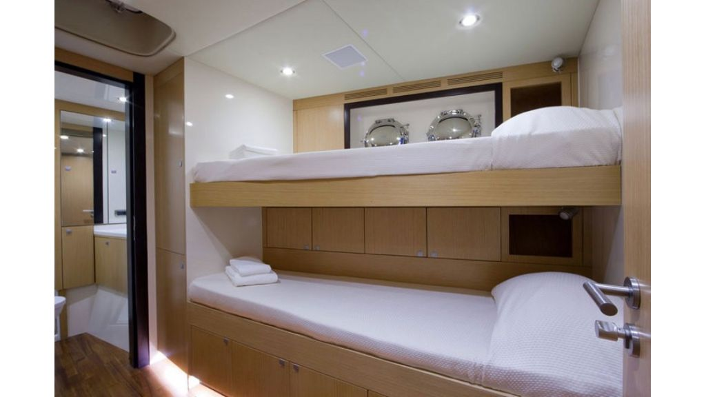 Composite luxury motor yacht (71)