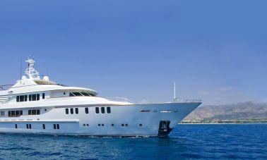 Composite luxury motor yacht master