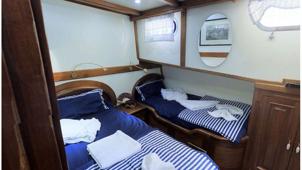 Steel hull charter gulet (14)