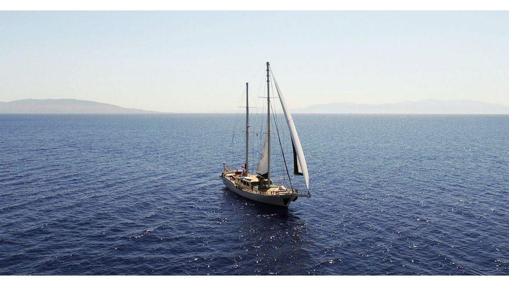 Steel hull charter gulet (18)