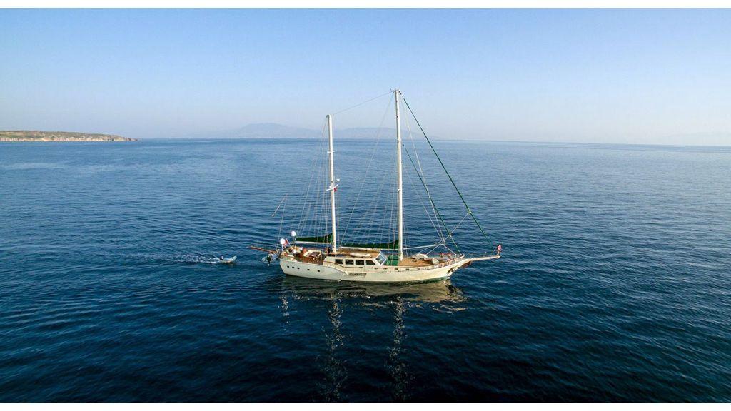 Steel hull charter gulet (4)
