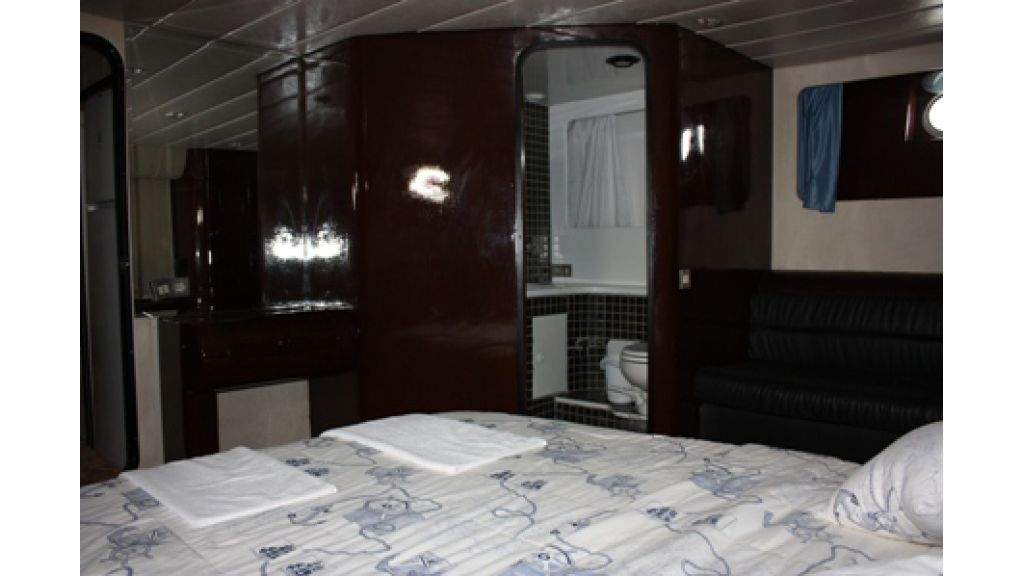 Motoryacht for sale (12)