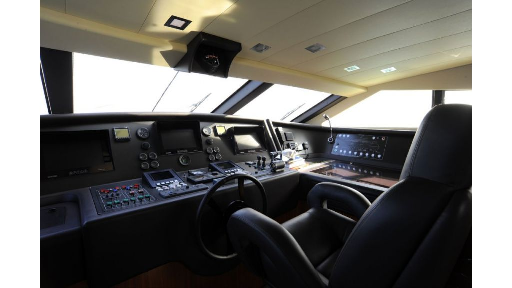 Ferretti 112 Custom Line (18)