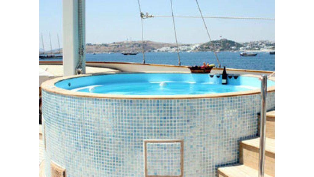 Halis temel yacht (9)