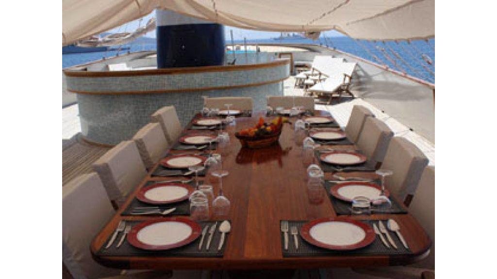 Halis temel yacht (17)