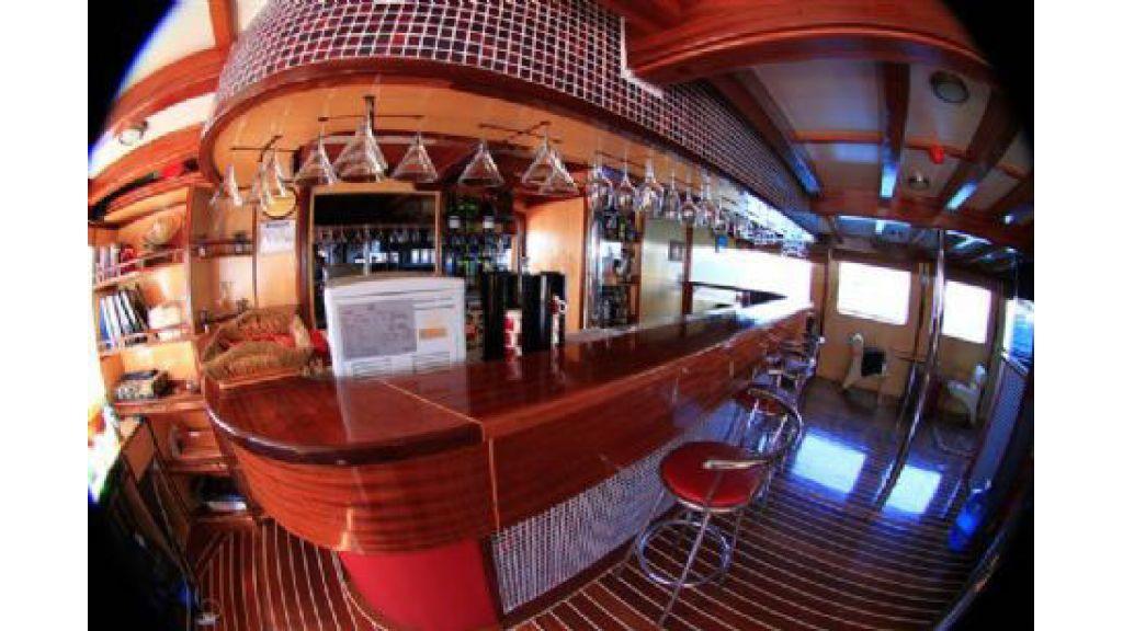 Halis temel yacht (18)