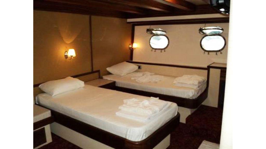 Halis temel yacht (20)