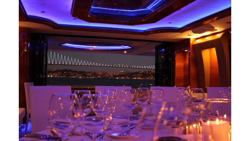 Den Den Motoryacht in istanbul (5)