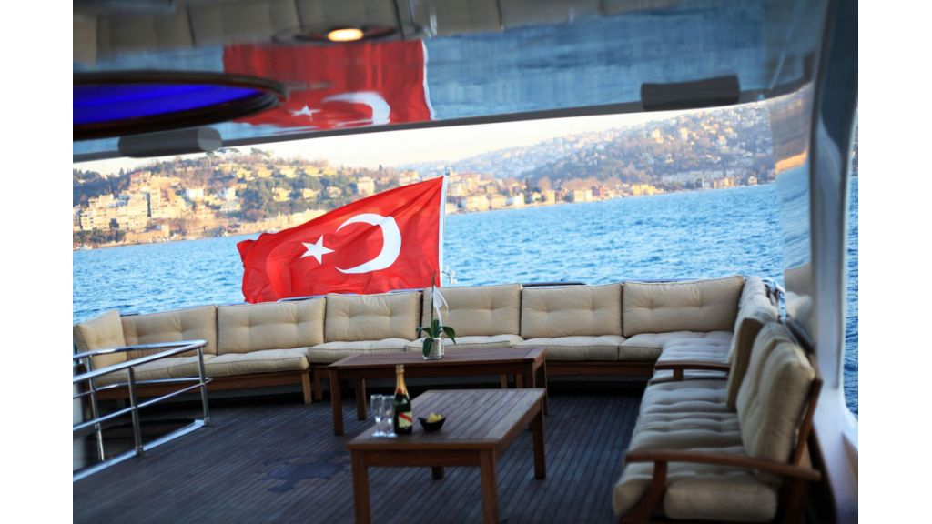 Den Den Motoryacht in istanbul (18)