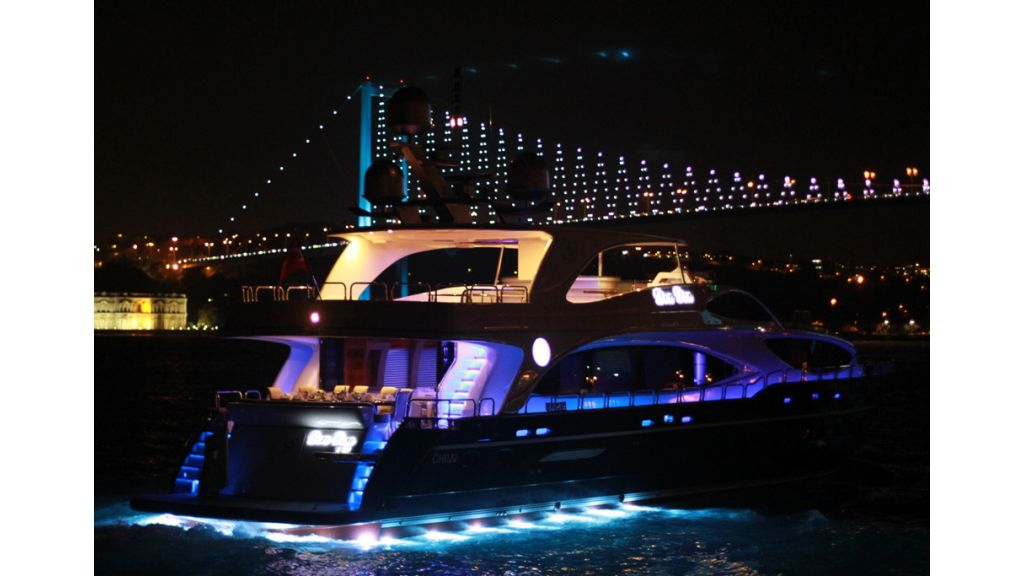Den Den Motoryacht in istanbul (1)