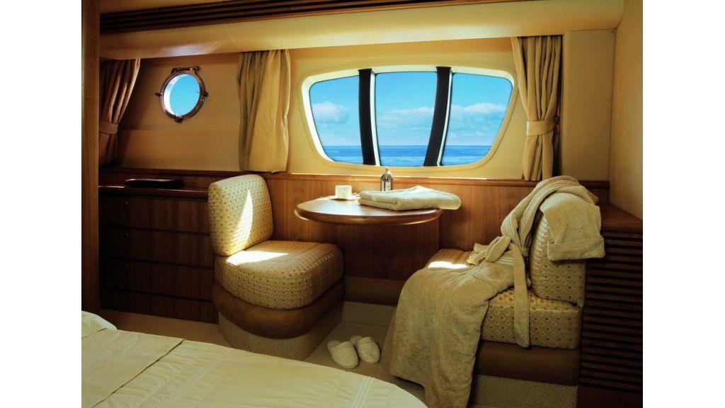 Azimut 68 motor yacht master
