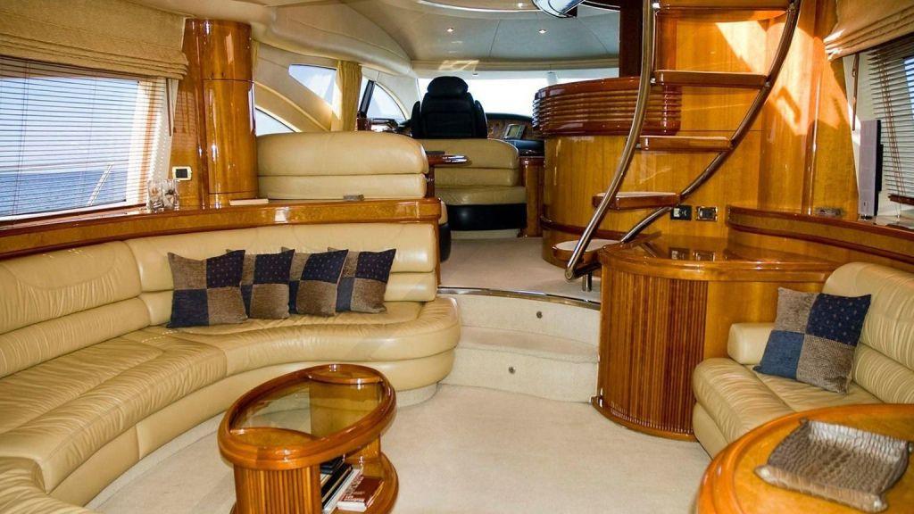 Azimut 68 motor-yacht-master