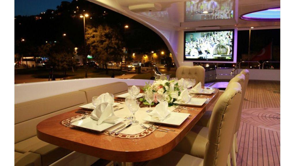 Den Den motor yacht charter istanbul master