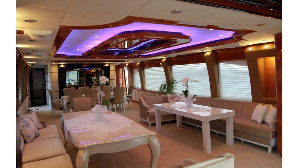Den Den motoryacht charter istanbul master